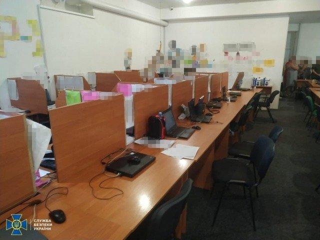 СБУ викрила телефонних злочинців, що заробляли понад 3 млн гривень щомісяця