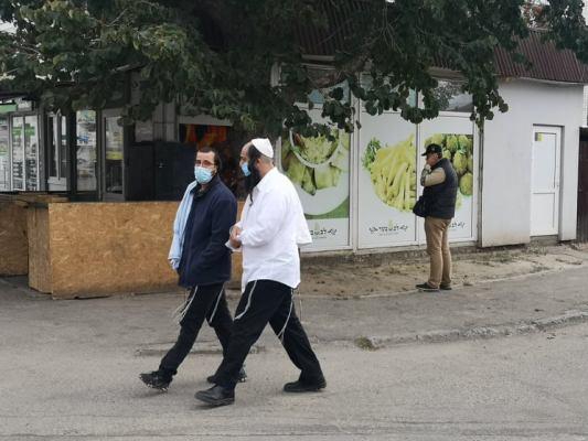 Дождя не намолили. Как хасиды праздновали еврейский Новый год в Умани в разгар эпидемии коронавируса. ФОТО. ВИДЕО