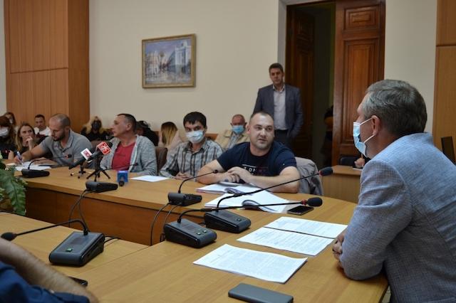 «Мы хотим жить!» — суд остановил скандальное строительство офисного центра на Киевской, 40 в Житомире. ВИДЕО