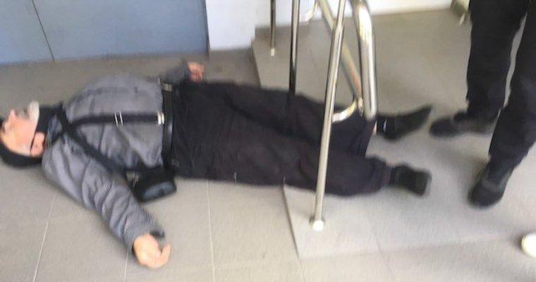 Житомирянин Костянтин Гулюк, який сьогодні зазнав знущання в Ощадбанку, - живий! ФОТО