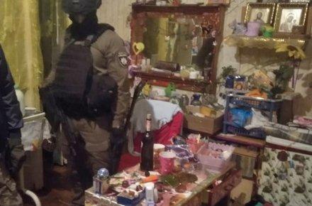 На Житомирщині у жінки в квартирі виявили марихуану та амфетамін