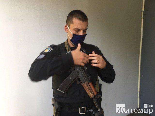 У житомирському Ощадбанку на Лесі Українки могли бути розстріляні усі відвідувачі?