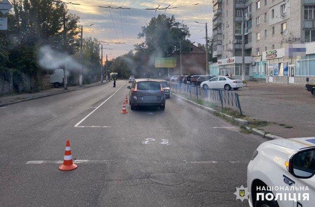 У Житомирі водій збив чоловіка та жінку на пішохідному переході. ФОТО