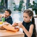 Батьки обурюються, а в МОН просять почекати - що буде зі шкільним харчуванням
