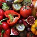 Названы овощи и фрукты, в которых больше всего копятся пестициды