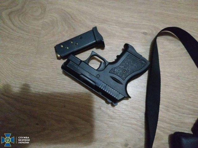 На Житомирщині СБУ затримала торговця зброєю. ФОТО
