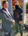 На Житомирщині СБУ затримала чиновника, який продавав дані з бази податкової служби