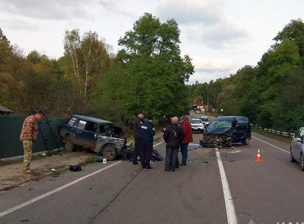 На Житомирщині сталася ДТП за участі чотирьох автомобілів: є загиблий. ФОТО