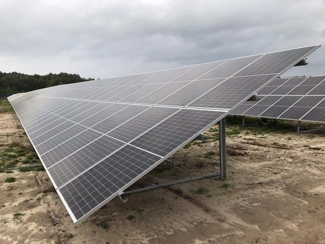 На Житомирщині введено в експулатацію потужну сонячну електростанцію. ФОТО