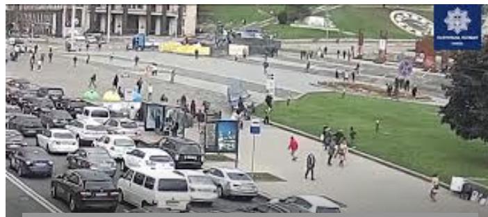 У Києві позашляховик влетів у натовп людей. ВІДЕО