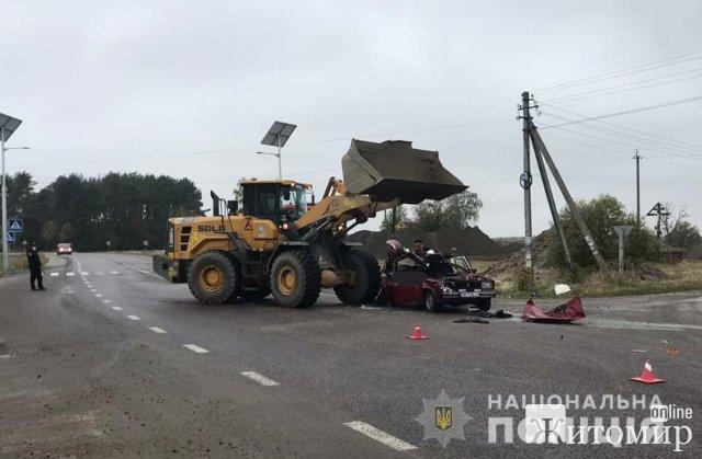 ДТП на Чуднівщині: потерпіли чоловік та дитина, загинула жінка. ФОТО