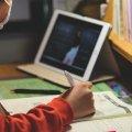 У МОЗ розповіли, які регіони можуть перевести на дистанційне навчання