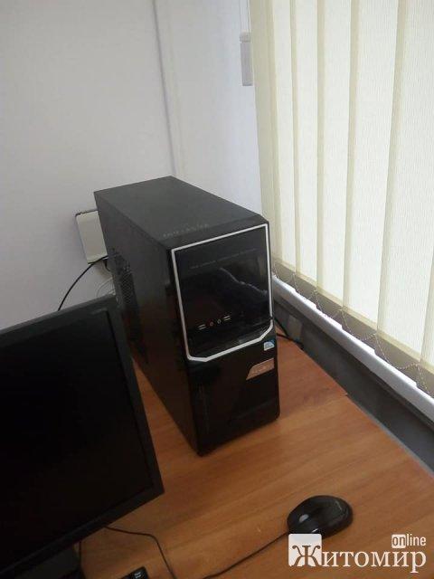 На одній з ДВК Житомира було викрадено комплектуючі до комп'ютера. ФОТО