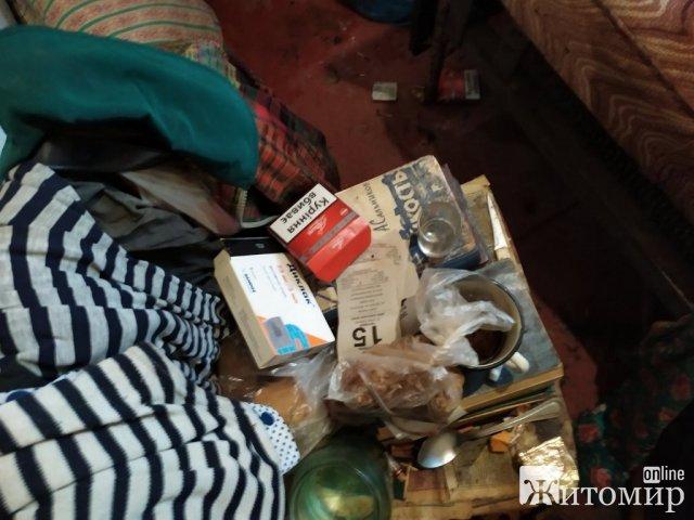 У селі Житомирської області горів будинок: рятувальники виявили тіло жінки. ФОТО