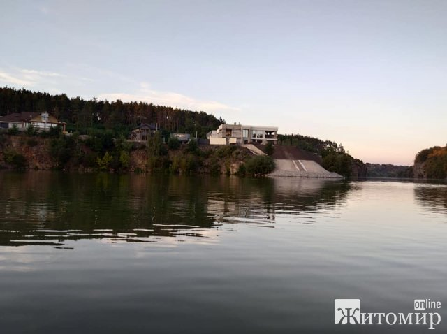 У Житомирі забудовують береги Тетерева. ФОТО