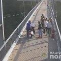 У Житомирі поліцейські направили до суду обвинувачення щодо скутериста, який вдарив пішохода на мосту в парку