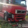 """Біля Житомира вантажівка виїхала на """"зустрічку"""" та зіткнулася з Hyundai. ФОТО"""