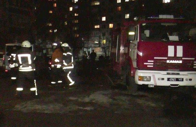 У Житомирі врятували жінку з палаючої оселі. ФОТО