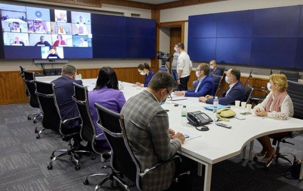 Зеленський з Феофанії провів зустріч з послами G7. ФОТО