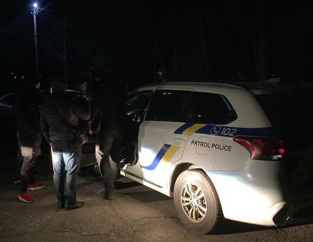 На Житомирщині зловили двох патрульних на хабарі у 10 тисяч гривень. ФОТО