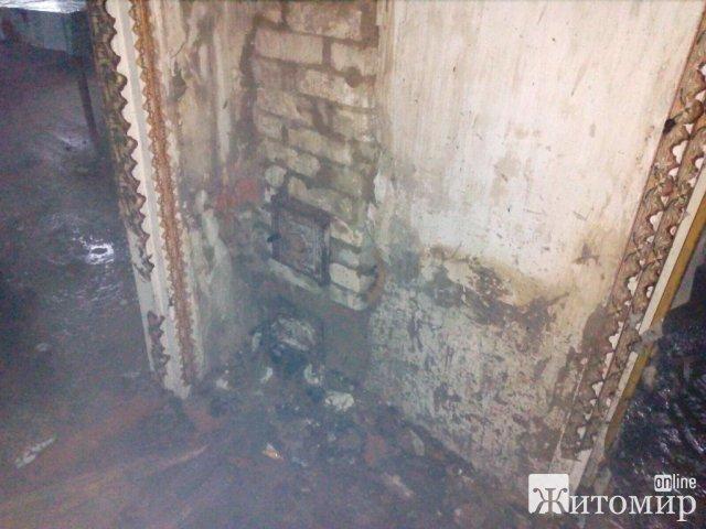У селі Житомирського району загорівся будинок: господар топив у печі. ФОТО