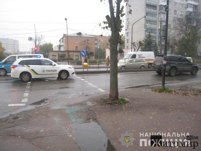 У Бердичеві Lexus збив пішохода. ФОТО