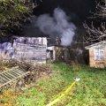 У Денишах горів будинок, пожежу помітила сусідка. ФОТО
