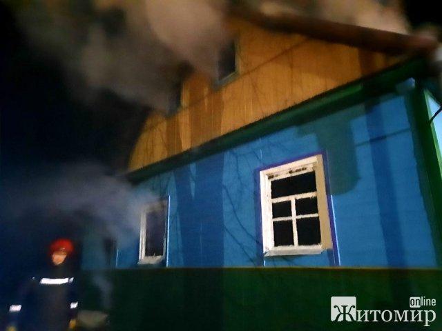 У селі Житомирської області 11 рятувальників гасили займання в церкві. ФОТО