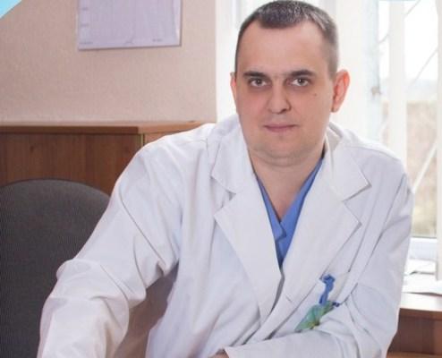"""А може краще розірвати угоду з головним лікарем міської лікарні №1 Володимиром Мордюком та його """"хазяйкою"""" Марією Місюровою?"""