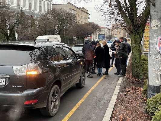 На Київській у Житомирі знову аварія. Є постраждалі. ФОТО