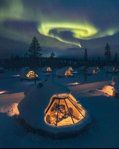 Вот так смотрят северное сияние в Лапландии, Финляндия