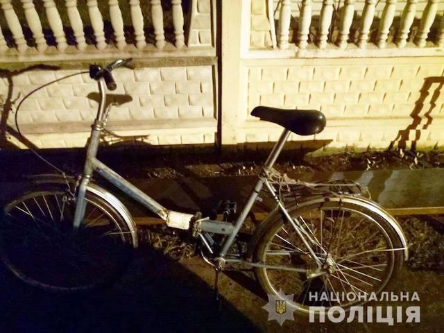 80-летний пенсионер угнал «Лексус» и оставил на его месте свой велосипед «Аист». ФОТО