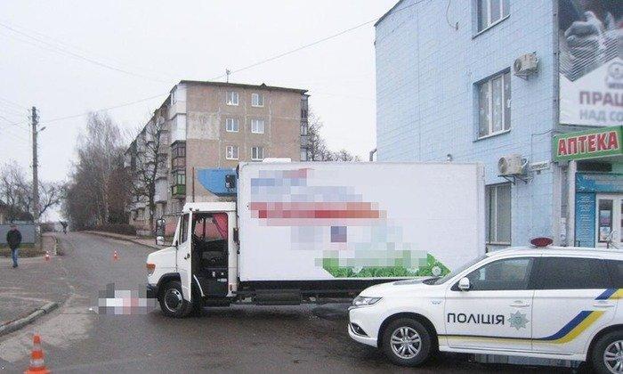 У Бердичеві житомирянин загинув під колесами власного авто. ФОТО