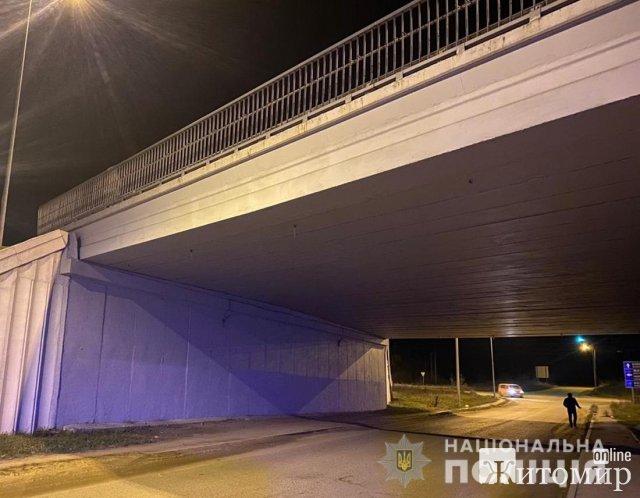 """У Коростишеві п'яний 47-річний чоловік вирішив """"замінувати"""" міст. ФОТО"""