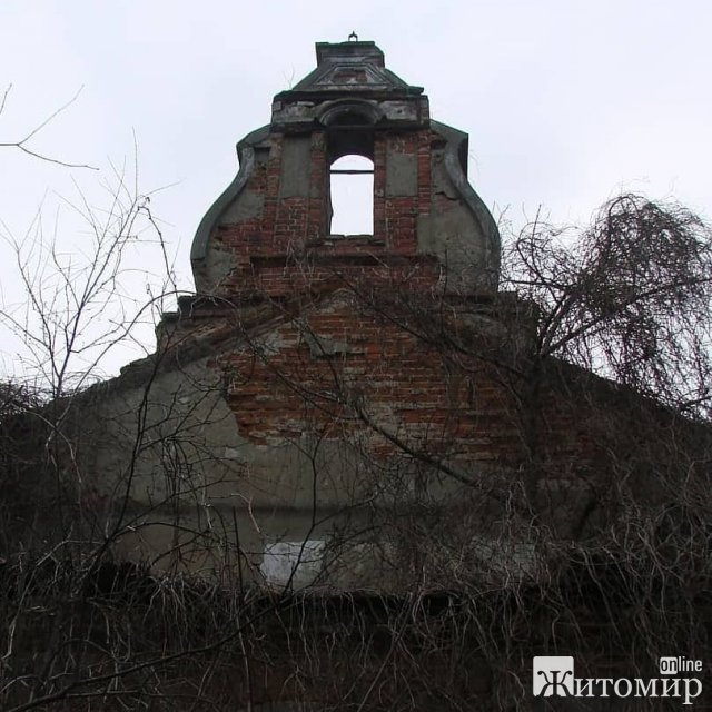 """У Житомирі """"вмирає"""" 230-річна каплиця. ФОТО"""
