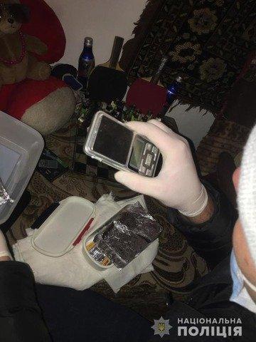У квартирі житомирянина поліція викрила справжню нарколабораторію. ФОТО
