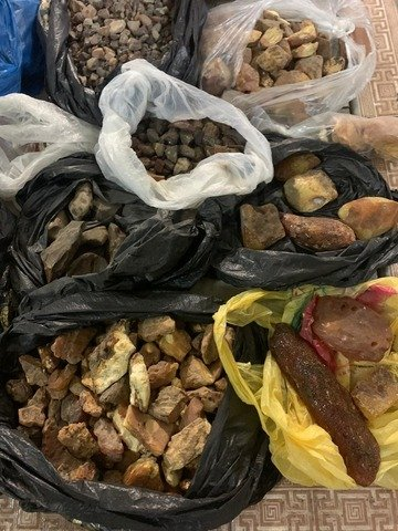 У мешканця Новоград-Волинського вилучили 55 кг бурштину. ФОТО
