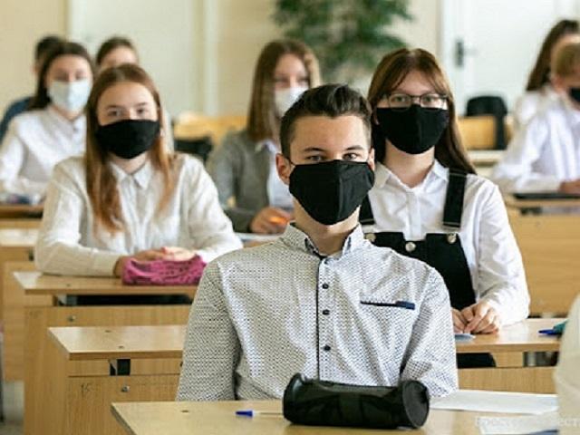 У Житомирі з 25 січня молодші класи повернуться в школу, а у старших буде змішана форма навчання