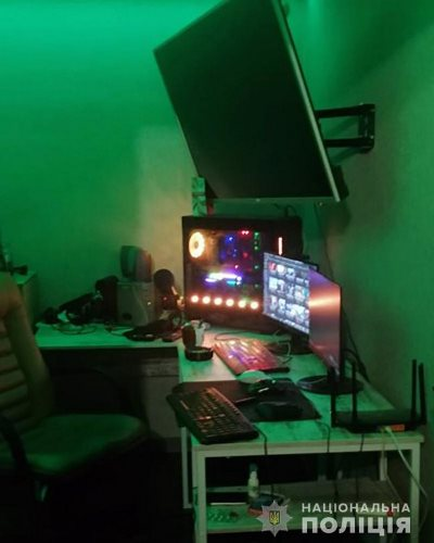 Житомирская полиция завершила расследование преступлений видеоблогеров, которые пропагандировали насилие и жестокость. ФОТО