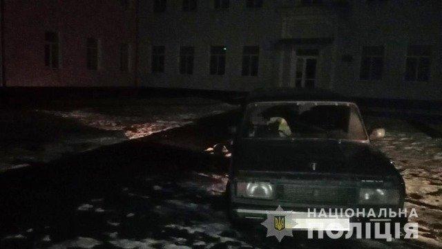На Житомирщині п'яний хлопець угнав авто, але заснув та потрапив у ДТП. ФОТО