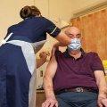 Все соседи Украины перешли к массовой вакцинации населения