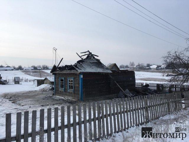 У селі на Житомирщині горів будинок, загинула господиня. ФОТО