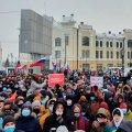 """""""Льодове побоїще"""" на Уралі і жорсткі затримання по всій країні: Росія вийшла на протести"""