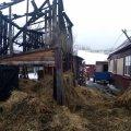 У селищі на Житомирщині рятувальники гасили піднавіс з сіном. ФОТО