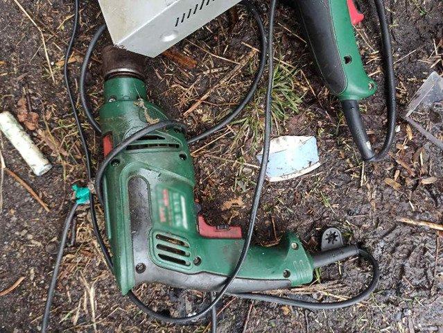 У Малині двоє молодиків вкрали інструменти з гаражного приміщення. ФОТО