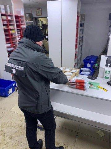 У Житомирі взяли під варту двох наркоділків, які продавали наркотики через соціальні мережі. ФОТО