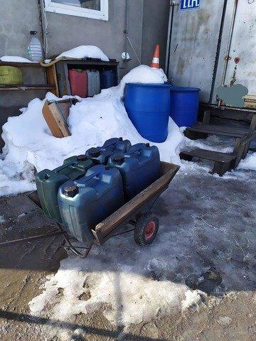 На Житомирщині виявили нелегальну заправку дизельного палива. ФОТО