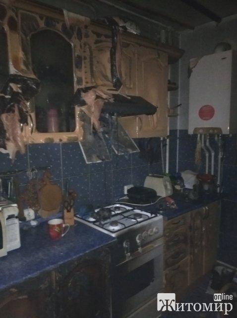 У Малині жінка вирішила повторно запалити конфорку, яка потухла: стався вибух. ФОТО