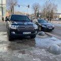 До кого у житомирській міській раді приїхали круті позашляховики? ФОТО