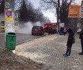 У Житомирі в автомобіля на ходу загорівся моторний відсік. ФОТО